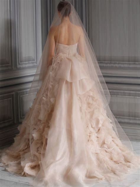 what color blush should i wear what color veil should i wear with a blush gown