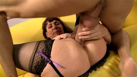 Magnificent Milf Has Nice Sex With Young Swain Pornid Xxx