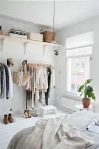 Begehbarer Kleiderschrank Kleines Schlafzimmer : die besten 17 ideen zu begehbarer schrank auf pinterest schrank umgestalten stauraum und ~ Michelbontemps.com Haus und Dekorationen