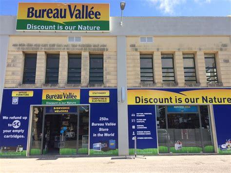 Double Ouverture à Malte Pour Bureau Vallée