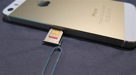 sim card iphone 5s apple sim and the of the sim card extremetech