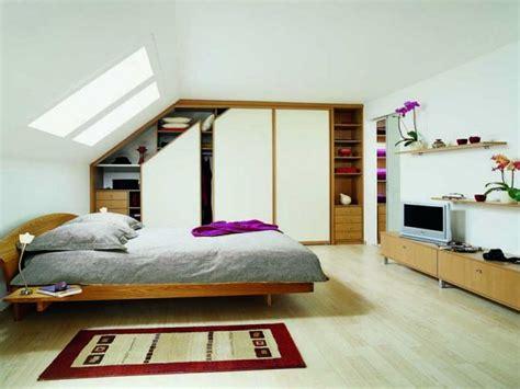 armoire pour chambre à coucher aménager un dressing dans une pièce mansardée