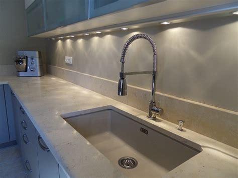 eclairage meuble cuisine eclairage led plan de travail cuisine eclairage led pour