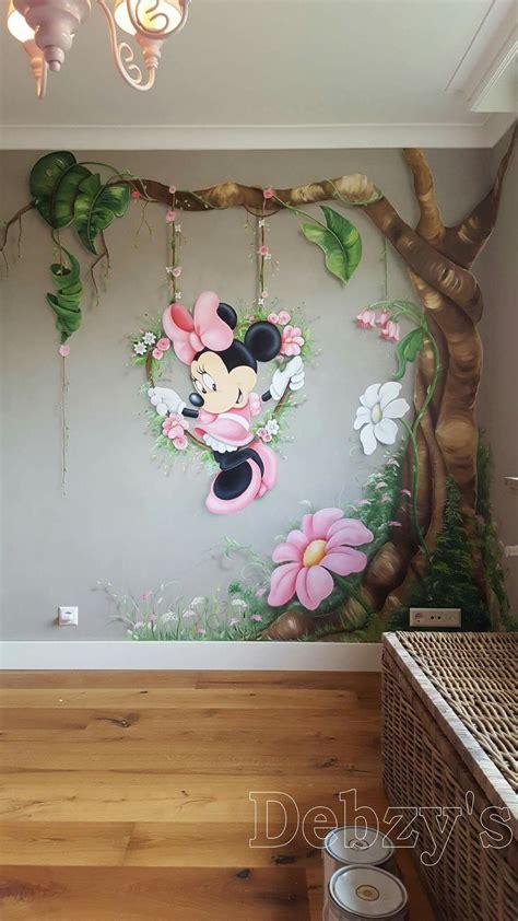 minnie mouse muurschildering geschilderd door debby