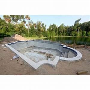 Une piscine en béton intégral (béton coulé et béton projeté) / Procédé de consrtuction
