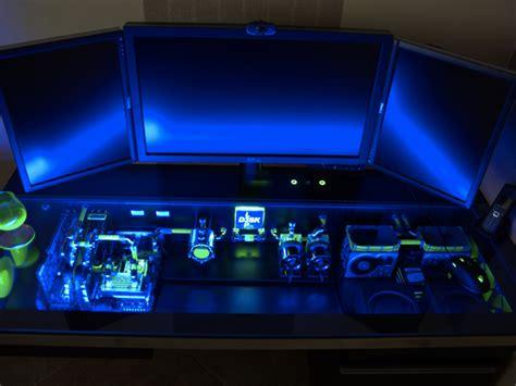 bureau pc casemod un ordinateur dans un bureau