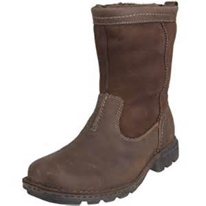 ugg boots sale amazon s special offers ugg 39 s hartsvillie pull on boot in united kingdom