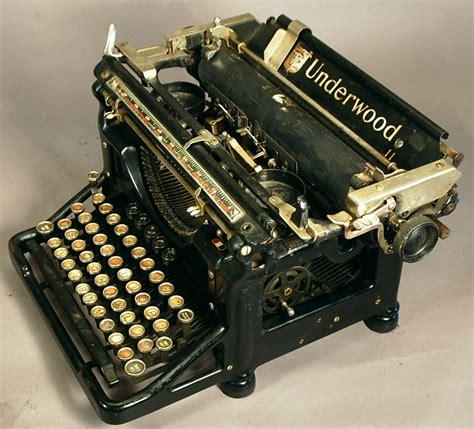 Alte Schreibmaschinen Wert by Underwood Model 11 Typewriter Needs Some Help But