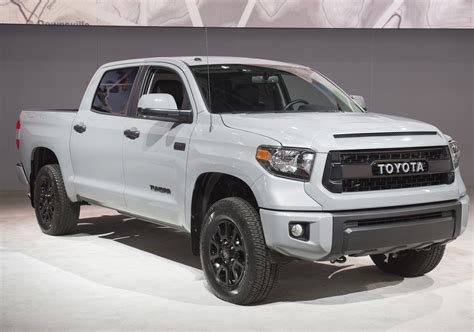 How much can the toyota tundra tow? The 2021 Toyota Tundra Boasts Some Respectable Standard ...