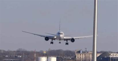 Landing Planes Sideways Turbulence Airlines Airport American