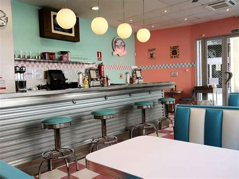 1950s Decor   1950's style American Diner in Valencia