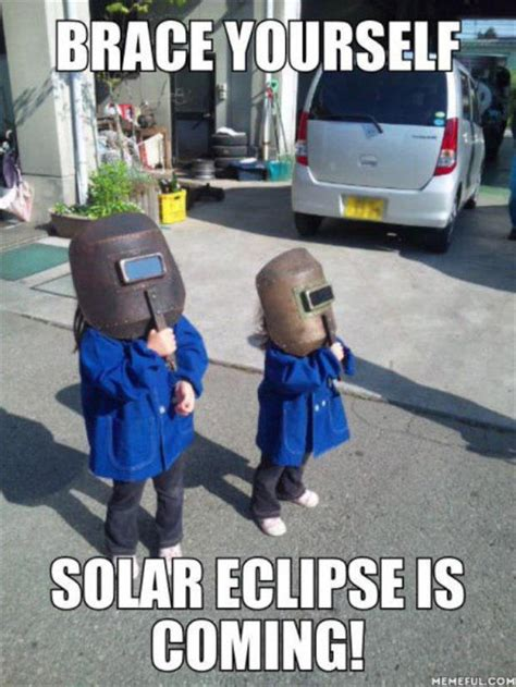 Eclipse Memes - brace yourself solar eclipse is coming memes and comics