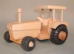 Holz Machen Mit Traktor : traktor mit dach aus holz lenkbar von drewa holzzauber shop geschenke accessoires spielwaren ~ Eleganceandgraceweddings.com Haus und Dekorationen