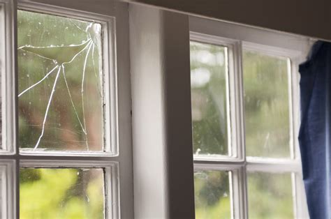 cracked mirror repair