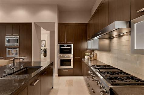 cuisine couleur beige decoration cuisine moderne beige et vert