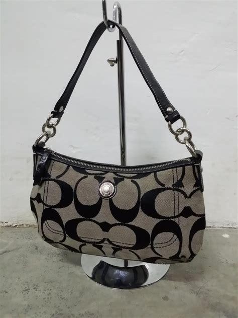 drayakeebag authentic coach signature small handbag blacksold