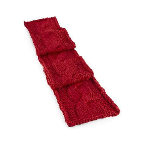 Chunky Cable Knit Sweater Table Runner   So That's Cool