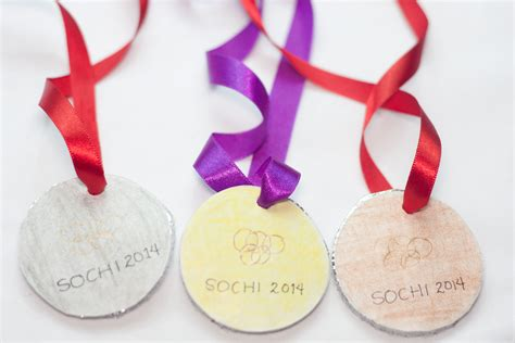 make a how to make an olympic gold medal craft 14 steps