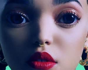 FKA Twigs Water Me Makeup | Hair. | 動画, オーディオ, ビデオ