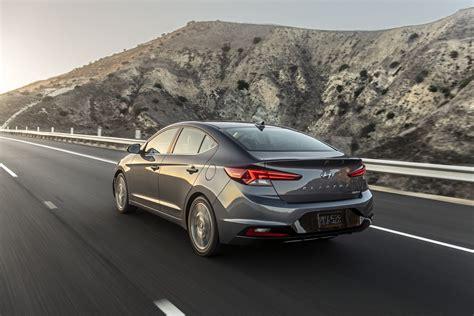 2019 Hyundai Elantra Facelift Rendered Autoevolution