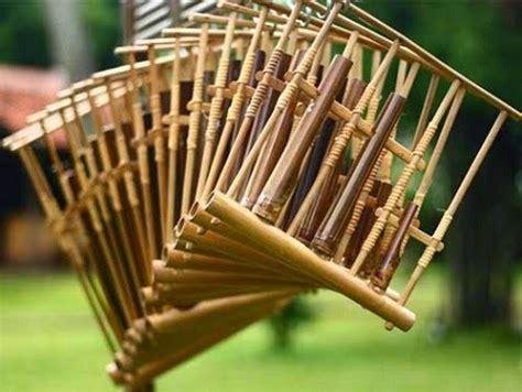 Download now 12 alat musik tradisional jawa barat gambar berbudaya id. Pengertian Alat Musik Angklung Asal Masyarakat Sunda Jawa Barat