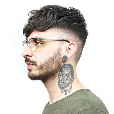 undercut hairstyles  men  styling ideas