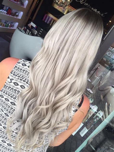 silber blond haare eine wundersch 246 ne balayage in silber mit einem metallic