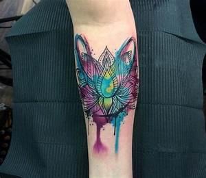 Tattoos Frauen Arm : 1001 ideen und inspirationen f r ein cooles unterarm tattoo ~ Frokenaadalensverden.com Haus und Dekorationen
