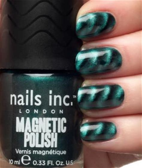 nails  magnetic polish makeup stash