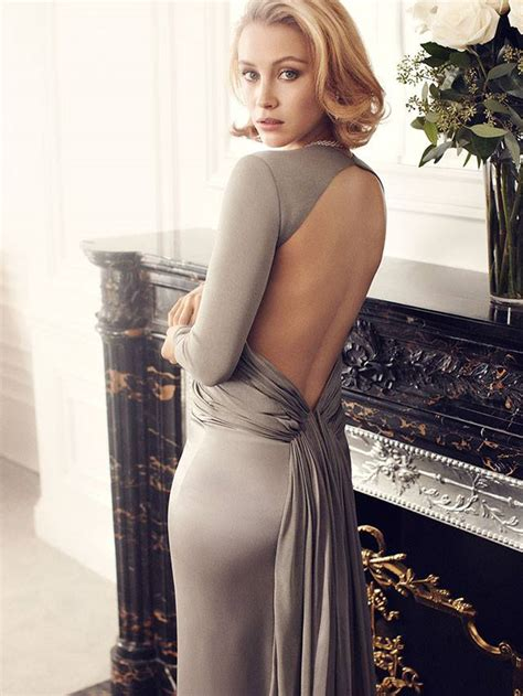 Hottest Woman Sarah Gadon King Of The Flat Screen