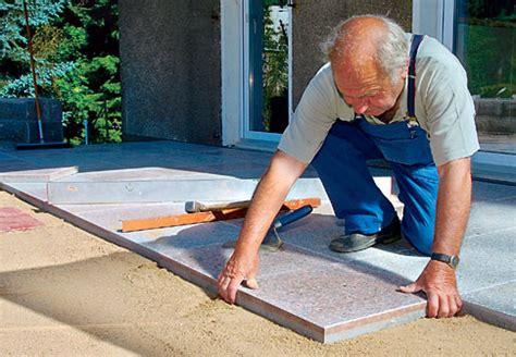 platten legen terrasse terrasse mit betonplatten steinterrasse selbst de