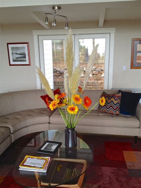 4 Easy Ways To Add A Pop Of Color To Your Home  Lifestuffs. Keystone Front Living Room. What Is A Formal Living Room. Wine Decor Living Room. Living Room In Blue. Living Room Wood Shelves. Small Cottage Living Room Decorating Ideas. Living Room Tv Background. Roma Leather Living Room Furniture Collection