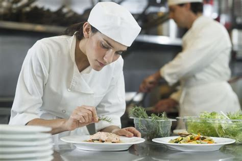 chef de cuisine salary chef or culinary career overview and salary