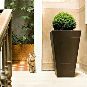 23 bonnes idees de jardin pots a fleurs et jardinieres With chambre bébé design avec grand pot fleur exterieur