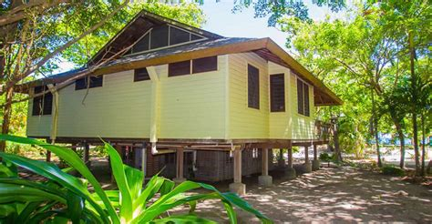 3 Bedroom Homes For Sale by 3 Bedroom Beachfront Home For Sale Palmetto Bay Roatan