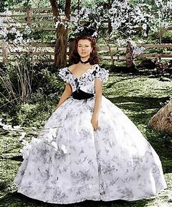 Vivien Leigh as Scarlett O'Hara in Gone With the Wind ...