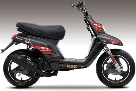 huile mbk performer by motul un kit d 233 co offert scooters and news