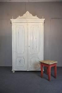 Kleiderschrank Weiß Vintage : antiker kleiderschrank in weiss vintage kaufen auf ricardo ~ Watch28wear.com Haus und Dekorationen