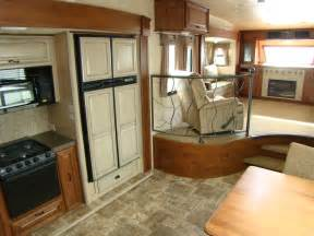 Montana 5th Wheel Floor Plans 2011 by Open Range 386 Flr A New Breed Of Front Living Room