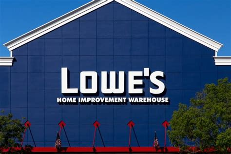 Lowe's Canada Takes Over 13 Former Target Canada Stores