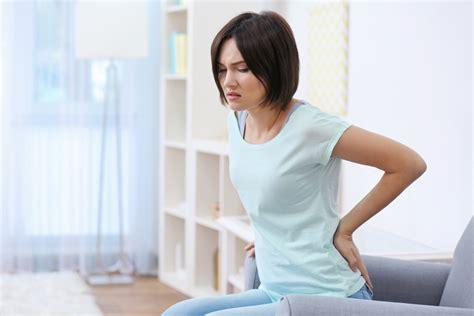 douleur dos cancer cancer chez la femme les 20 sympt 244 mes 224 ne jamais ignorer