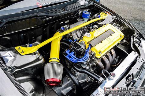civics engine bay      clean