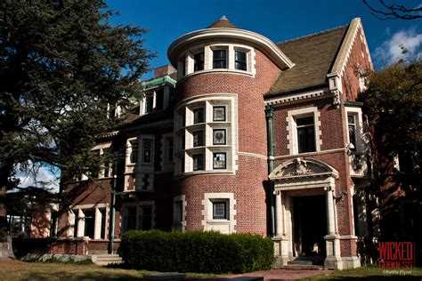 American Horror House by American Horror Story House Obtuse