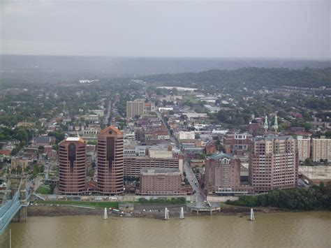 File:Covington KY from Carew Tower.JPG - Wikipedia