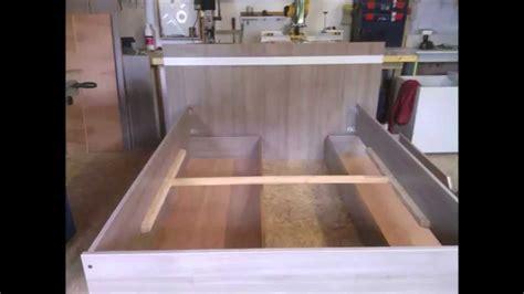 fabrication dun lit moderne en melamine chene brun