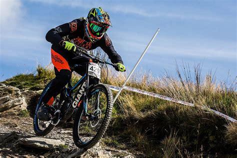 rob warner rides  downhill comeback antur stiniog
