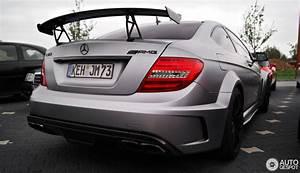 Mercedes C63 Amg Occasion : mercedes benz c 63 amg coup black series 4 may 2013 autogespot ~ Medecine-chirurgie-esthetiques.com Avis de Voitures
