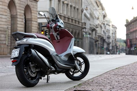 2012 Piaggio Beverly Sport Touring 350 Review
