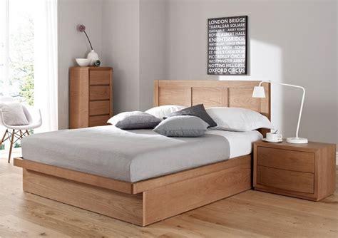 deco de chambre moderne avec meubles  surfaces en bois