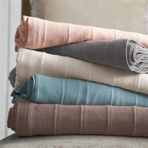 plaid blanc pour canape maison design goflah